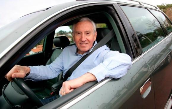 Adultos mayores y conducción: Las precauciones que requieren los adultos Senior al volante.